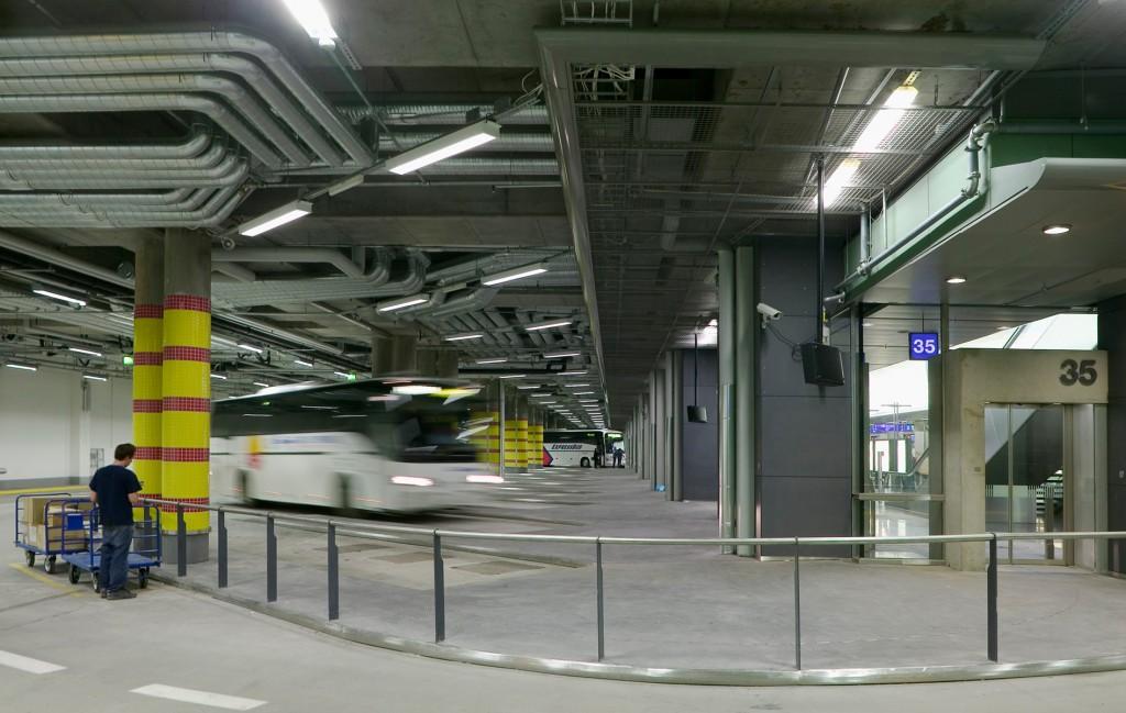 Kampin-keskus-Kaukoliikenteen-terminaali